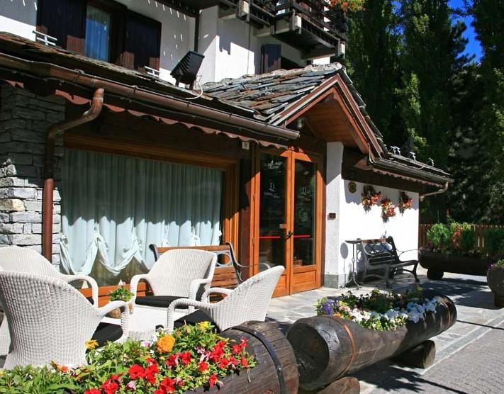 Hotel Petit Foyer Aosta : Elenco alberghi val d aosta hotels valle