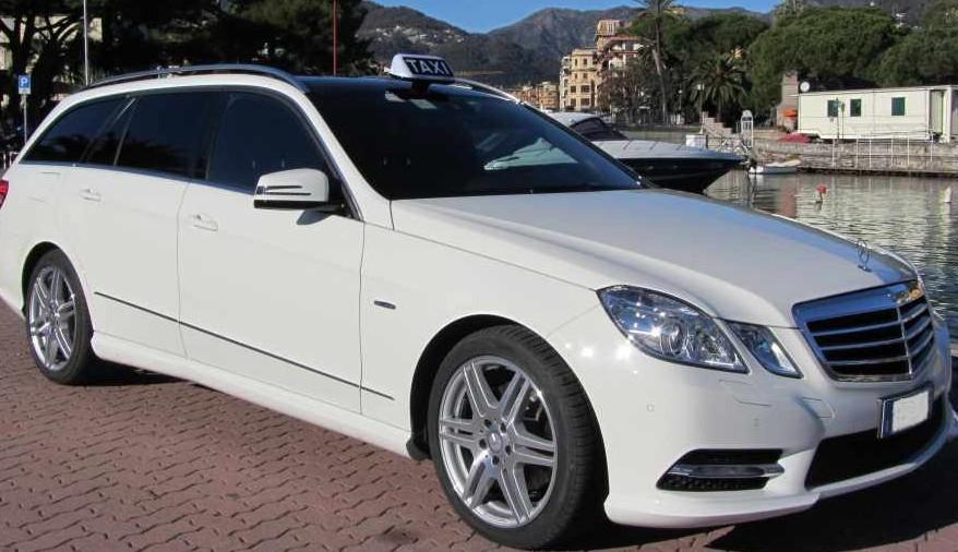 Autonoleggi con autista auto per cerimonie autonoleggi for Mobilifici italiani elenco fabbriche mobili in italia